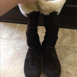 Baretraps suede boots